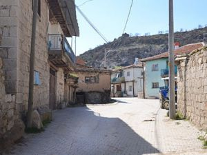 Afyon İhsaniye Ayazini Köyü Resimleri