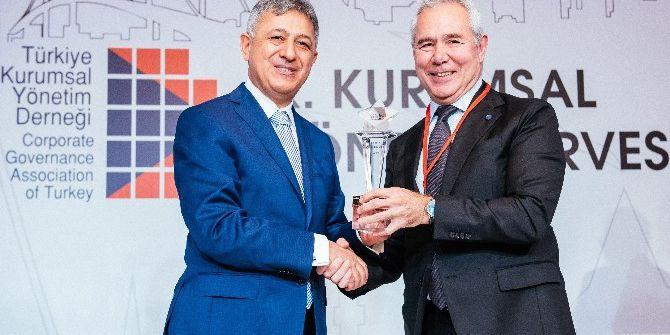 Türkiye Kurumsal Yönetim Derneği'nin 'Zirve' Ödülü Sahibini Buldu