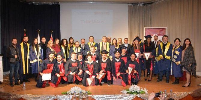 Ydü Yeni Nesil İletişimcileri Diplomalarını Aldı