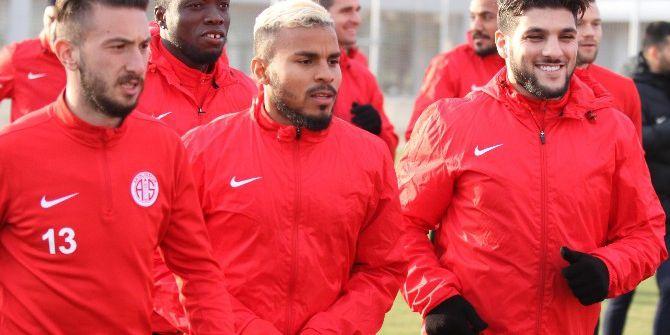 Antalyaspor, Aytemiz Alanyaspor Maçının Hazırlıklarına Başladı