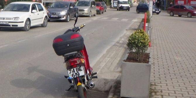 Yaşlı Adama Motosiklet Çarptı