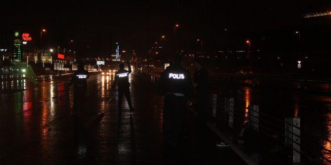 Polisten Kaçmak İçin E-5 Karayoluna Atlayan Şüpheliye Otomobil Çarptı
