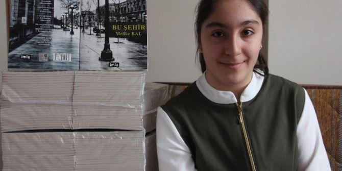 13 Yaşındaki Engelli Kız Şairler Belgeselini İzledi, Şiir Kitabı Çıkardı