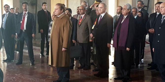Pakistan Başbakanı Şerif Anıtkabir'i Ziyaret Etti