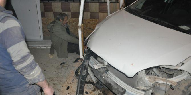 İnegöl'de Zincirleme Kaza: 2 Yaralı