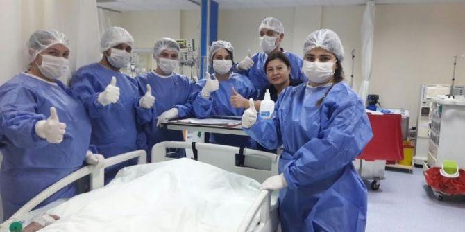 Yoğun Bakım Hastalarına Yatak Banyosu