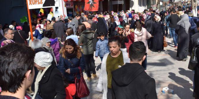 Malatya'da 'Ne Alırsan 5 Tl' İzdihamı