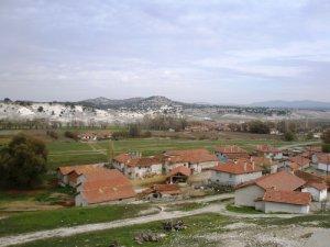 Kütahya Akçamescit Köyü