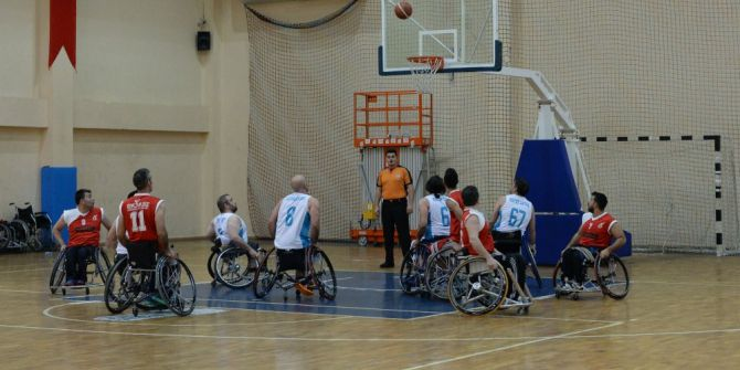 Osmangazili Basketbolcular Engel Tanımıyor