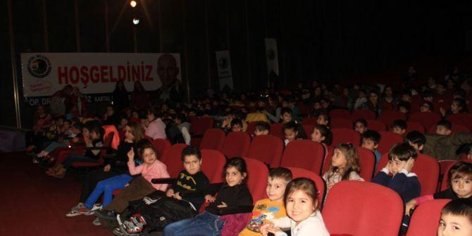 Kartal Belediyesi Kreş Öğrencileri Dünya Tiyatrolar Günü'nü Kutladı