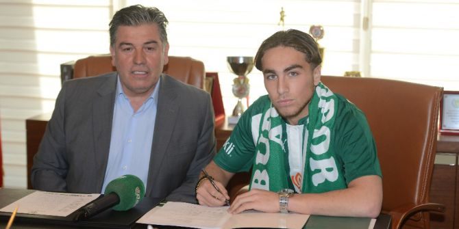 Bursaspor Genç İsimle 4 Yıllık Anlaşma Sağladı