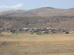 Ağrı Akçevre Köyü