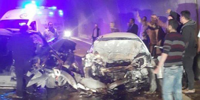 Tünelde İki Araç Kafa Kafaya Çarpıştı: 3 Ölü, 3 Yaralı