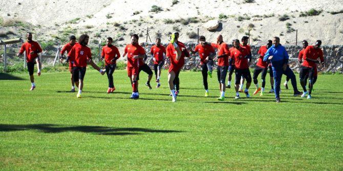 Evkur Yeni Malatyaspor, Göztepe Maçına Galibiyet Parolasıyla Hazırlanıyor