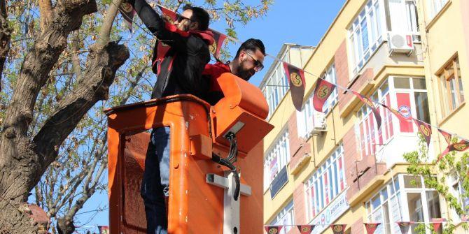 Cadde Ve Sokaklar Eskişehirspor Bayrakları İle Süsleniyor