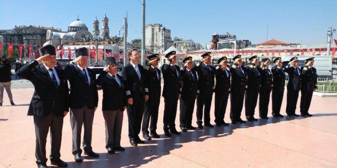 Dünya Pilotlar Günü Taksim'de Kutlandı