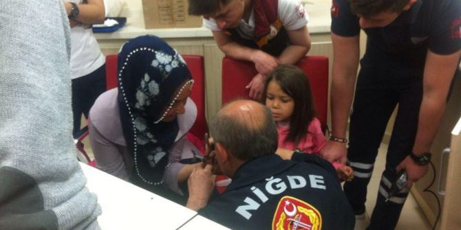 Küçük Kızın Parmağına Sıkışan Yüzük Kesilerek Çıkartıldı