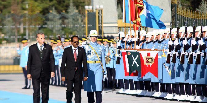 Cumhurbaşkanı Erdoğan, Somali Cumhurbaşkanı Farmajo'yu Resmi Törenle Karşıladı