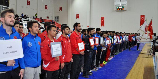 Milli Güreşçi Adına Spor Salonu Açıldı