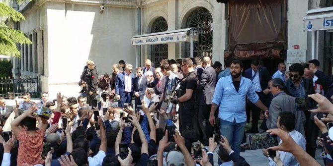 Cumhurbaşkanı Erdoğan Cuma Namazını Bezmialem Valide Sultan Camii'nde Kıldı