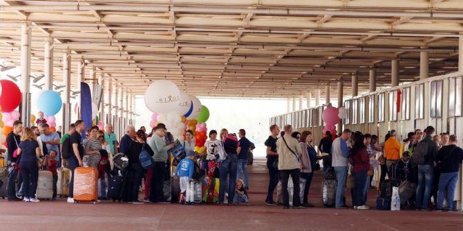 Antalya'ya Bir Günde 190 Uçak İnecek