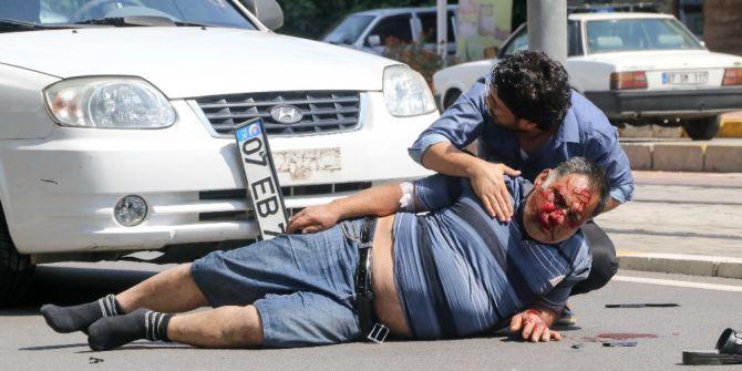 Yayaya Çarpan Sürücünün Oğlu Yaralının Başından Ayrılmadı