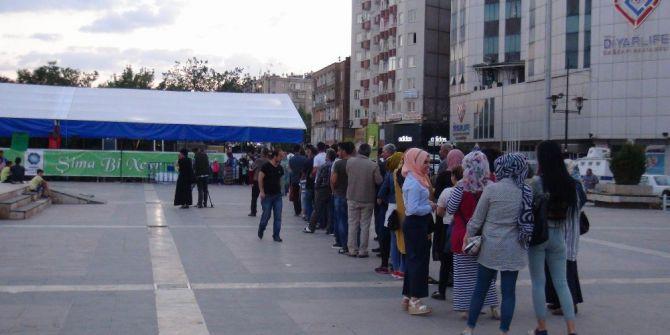 Diyarbakır'da İlk İftar Açıldı