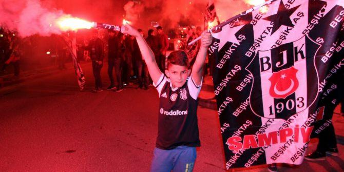 Nevşehir'de Binlerce Taraftar Beşiktaş'ın Şampiyonluğunu Kutladı