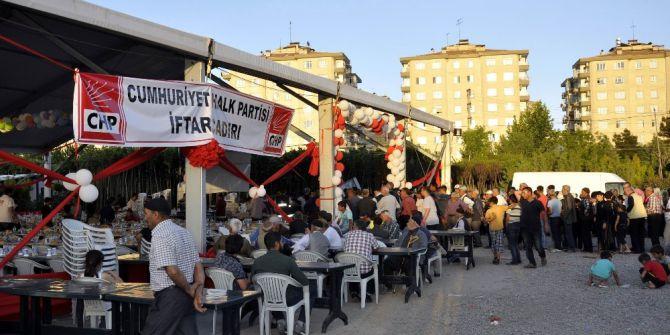 Chp Diyarbakır'da İlk Defa İftar Çadırı Açtı