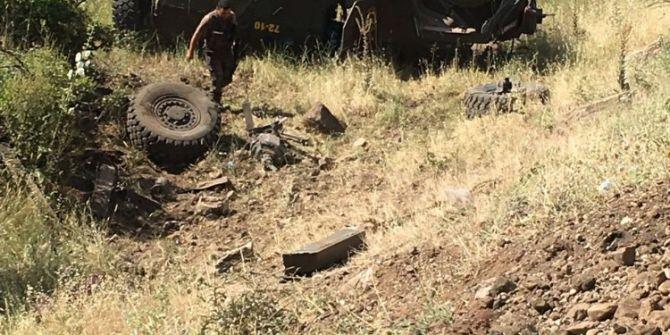 Zırhlı Araç İle Otomobil Çarpıştı: 5 Ölü, 5 Polis Yaralı