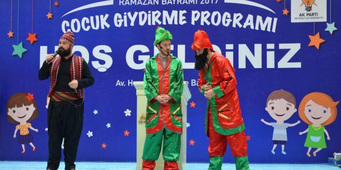 Beyoğlu'nda Yetim Çocuklara Bayramlık Sürprizi