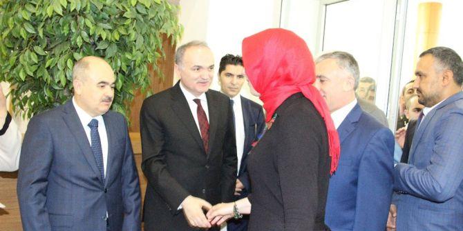 """Bakan Faruk Özlü: """"İşsizliğin Azalması İçin Türkiye'nin Büyümesi Lazım"""""""