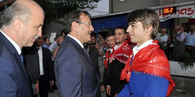 """Başbakan Yardımcısı Çavuşoğlu: """"Elbirliği İle Üzerimize Düşen Neyse Onu Yapacağız"""""""