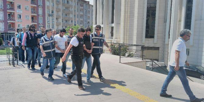 Katil Zanlısı Çelik Yelek Giydirilerek Mahkemeye Çıkarıldı