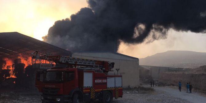 Niğde'de Fabrika Yangını