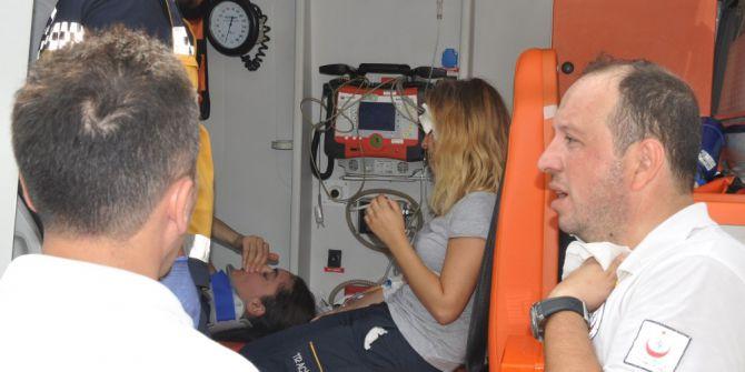 Yaralılara Müdahale Eden Ambulansa Araç Çarptı: 1 Ölü, 8 Yaralı