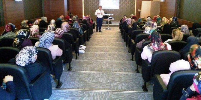Bayburt Belediyesi'nden iş ve meslek danışmanlığı semineri