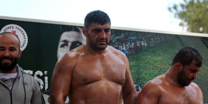 Hüseyin Pehlivan Yağlı Güreş Turnuvası'nın şampiyonu Ali Altun