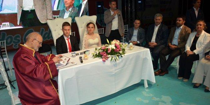 Beykoz'da toplu nikah töreniyle 20 çift dünyaevine girdi