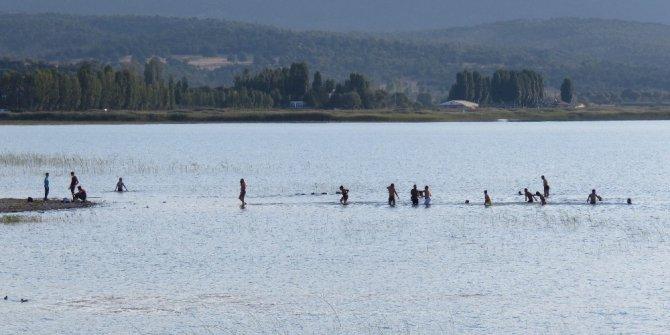 Beyşehir'in sahildeki parklarına yoğun ilgi