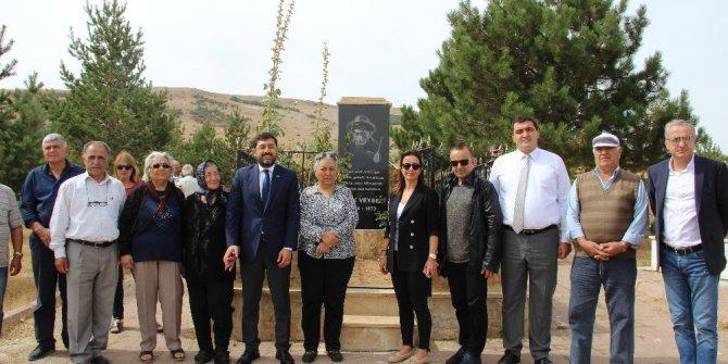 Beşiktaş Belediye Başkanı Hazinedar, Aşık Veysel'in köyünü ziyaret etti