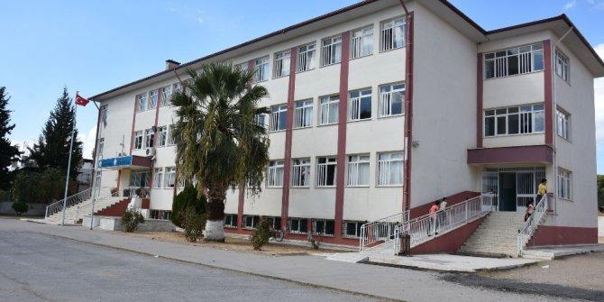 Nazilli Belediyesi okullara desteğini sürdürüyor