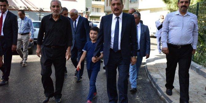 Belediye Başkanı Gürkan Kırçuval Mahallesinde incelemelerde bulundu