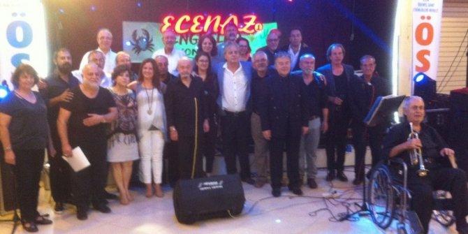 50 yıl sonra bir araya gelerek konser verdiler
