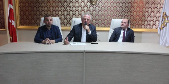 """Yazar Köse, TSO'da """"Aç Kapıyı Ben Geldim"""" kitabını imzaladı"""