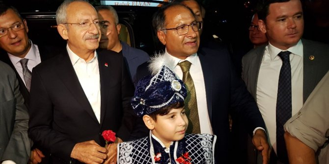 Kılıçdaroğlu, sünnet düğününe katıldı