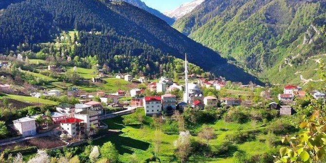 Maçka Akarsu Köyü
