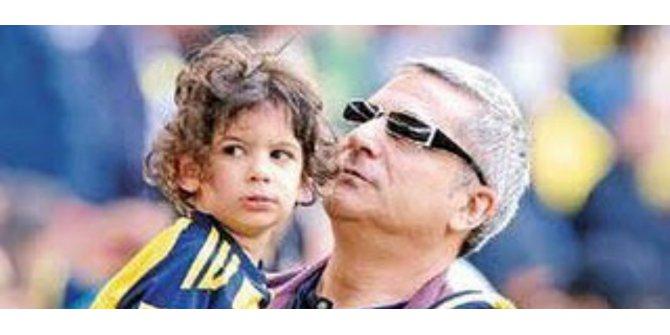 Mehmet Ali Erbil Oğluyla Fotoğraf Paylaştı