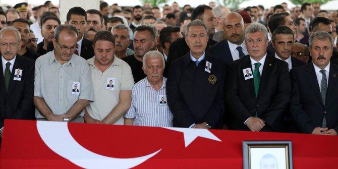 Bakan Akar, Erbil'de Şehit Düşen Konsolosluk Çalışanı Köse'nin Cenaze Törenine Katıldı