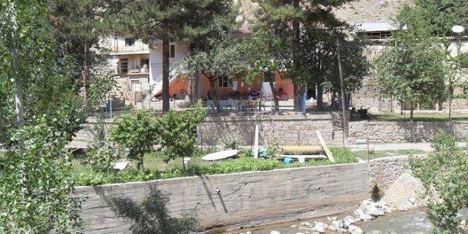 Üzümlü Çardaklı Köyü
